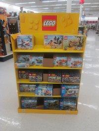 Półka z klockami lego